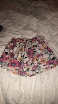 floral shorts size:small Houma, 70360