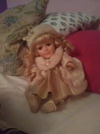 Porcelain Doll (wind up) Stokes, 27884