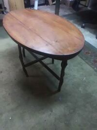 Wooden table  Council Bluffs, 51501