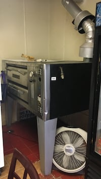 Piza oven in good working condition  Allentown, 18102