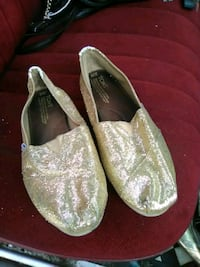 Gold glitter TOMS shoes size 10 Colton, 92324