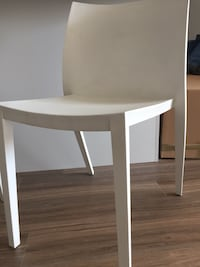 Plastic off white 4 chairs *OBO*