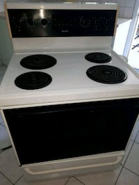 white and black electric coil range oven Montréal, H1G 4Y4