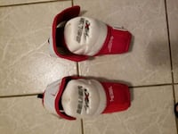 Bauer Jr. hockey Elbow Pads size lg Coquitlam