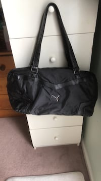 black leather 2-way handbag Toronto, M9M 0A4