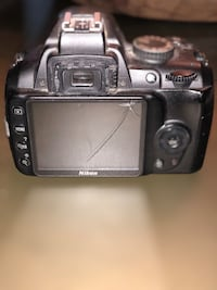 Nikon D3000 works perfect has crack on screen Fairfax, 22031
