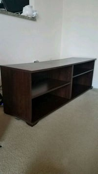 Wooden TV table  Herndon, 20170