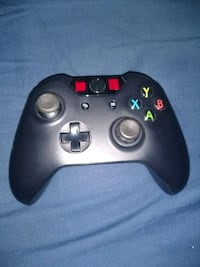 Xbox One Controller, needs repair North Vancouver, V7P 3G4