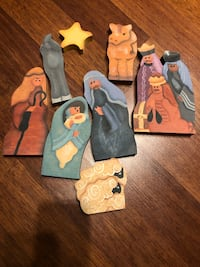 Christmas Hand painted nativity puzzle 551 km