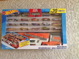 Hot Wheels Mega Hauler Set With 20 Cars
