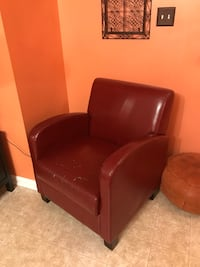 Brown leather sofa chair with ottoman Woodbridge, 22193