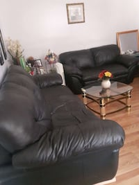 black leather recliner sofa chair Toronto, M4N 2G7
