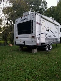 Salem 5th wheel Great condition, everything works.