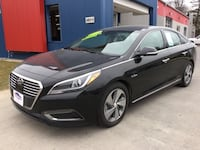 *NEW ARRIVAL!* 2017 Hyundai Sonata Hybrid Limited 2.0L w/Blue Pearl Interior - Ask About Our Guarant