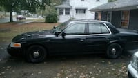 Ford - Crown Victoria - 2002