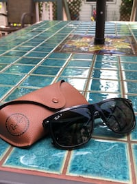 Ray-Ban sunglasses with Polarized lenses