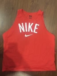 Woman's xl Nike top. Gently used  Surrey
