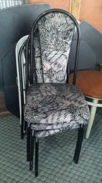 Dining chairs 4 good condition St. Catharines, L2N 1Y6