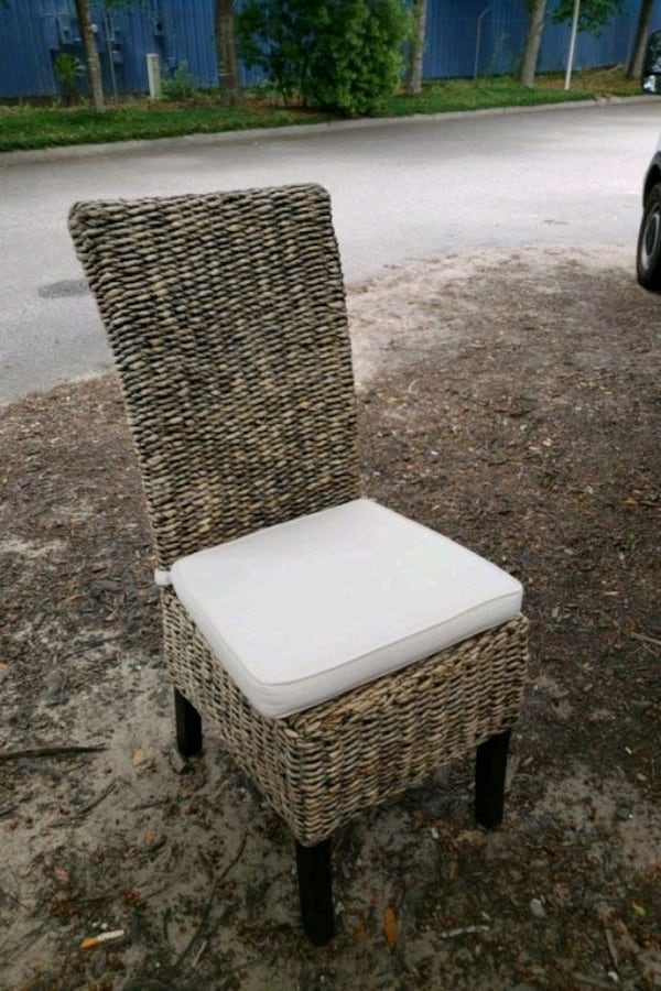 banana leaf dining chair 6f1991ef-7152-4642-9292-54703f34793a