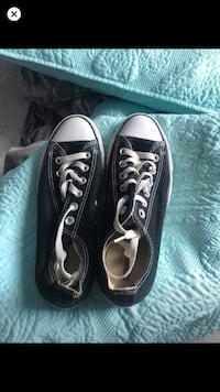 Back converse size 5/1-2 fits like 7 Cambridge, N1R 4T8