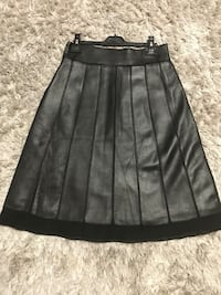 Danier leather skirt with beautiful detail, new! Vaughan, L4J 9J1