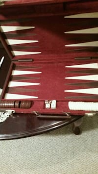 red and white makeup brush set Elkton, 22827