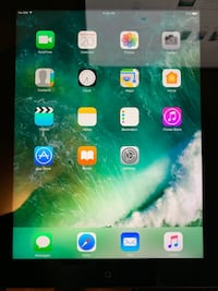 IPad 4 Wi-Fi + Cellular, good condition Montreal