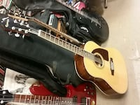 Epiphone aj-220st solid top with built in tuner