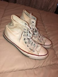 Pair of white converse all star high-top sneakers Tampa, 33616