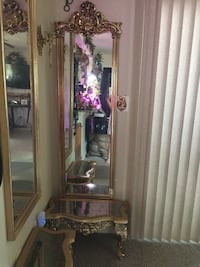Pair of mirrors with matching tables Louisville, 40229