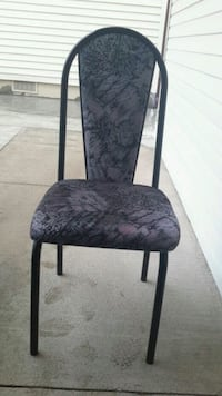Dining chair  St. Catharines, L2N 1Y6