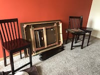 Brown Table Set Great Condition Comes W/4chairs Houston, 77091