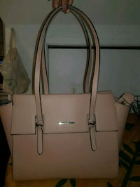 Pink leather 2-way handbag Toronto, M1H 1A5