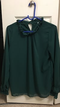 green chiffon round-neck sheer-sleeved blouse Small  McLean, 22102
