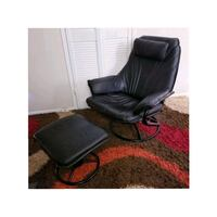 Leather Recliner•Moving Toronto, M3A 2S9