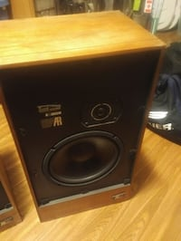 Acoustic Research AR-14 Two Way Loudspeaker System Toronto, M9B 2G2