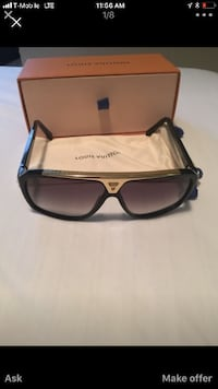 black framed Ray-Ban sunglasses with case DETROIT