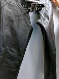 Ladies leather chaps size L Vancouver, V5S