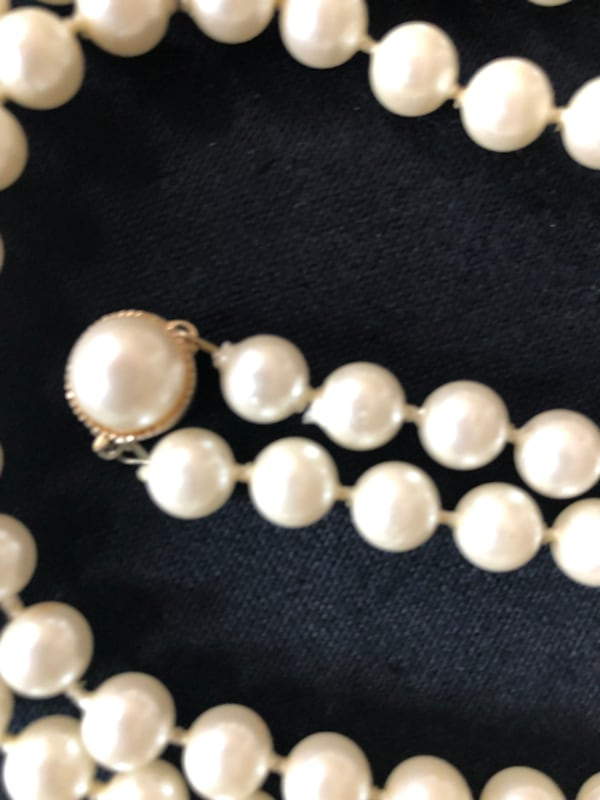 Vintage costume pearl necklace 2