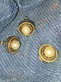 pair of gold-colored earrings Vidor, 77662