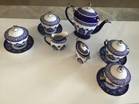 Tea set blue and white from Bombay. And 4 candle holders Laval