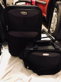 Riverstone suitcase and overnight bag set. Black. Forest Park, 60130