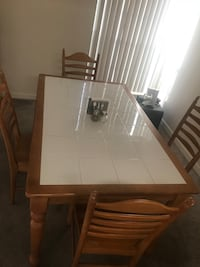 Dining room table and chairs  Gainesville, 32608