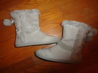 Girls gray boots by Justice - sz 6 GREENSBORO