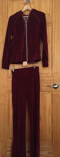 Women's maroon zip-up hoodie and pants size small 785 km