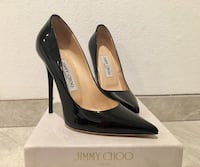 pair of black leather pointed-toe pumps with box San Diego, 92117