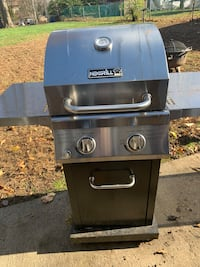 Black and gray gas grill Derby