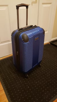 """Kenneth Cole Reaction 20"""" Spinner Luggage Fairfax, 22030"""