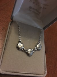 Silver-colored heart pendant necklace