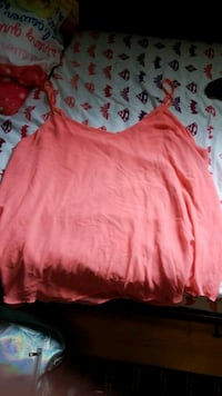 pink spaghetti strap top plus size Burnaby, V5G 1A8